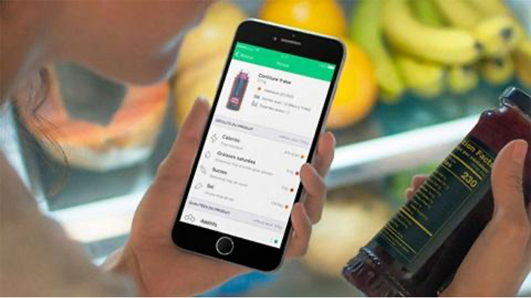 """Using the Yuka application while shopping allows you to identify the """"healthy"""" products of others."""